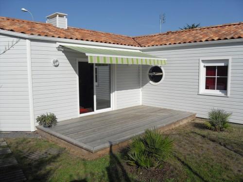 maison récente (2009) à ossature bois. Construction Arcadial