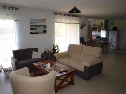 maison ossature bois avec po le de masse annonce maison. Black Bedroom Furniture Sets. Home Design Ideas